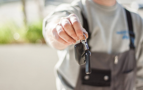 5 TOP THINGS TO CONSIDER WHEN BUYING A SECOND-HAND CAR